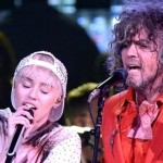 Miley Cirus y Wayne Coyne, líder de The Flaming Lips